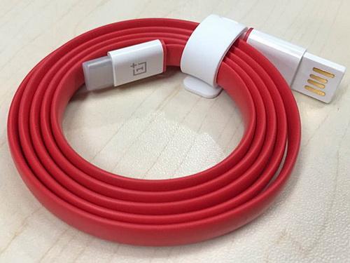 oneplus 2 hier ist das neue usb typ c kabel. Black Bedroom Furniture Sets. Home Design Ideas