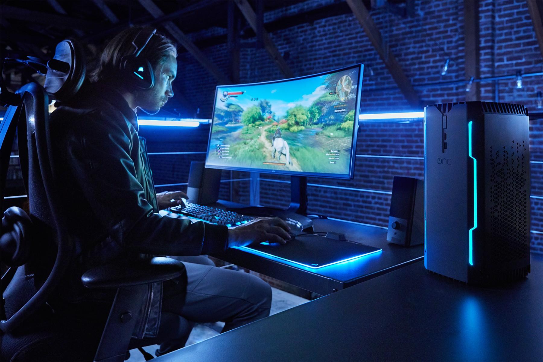 Corsair One Elite mit Core i7-8700K, GeForce GTX 1080 Ti und
