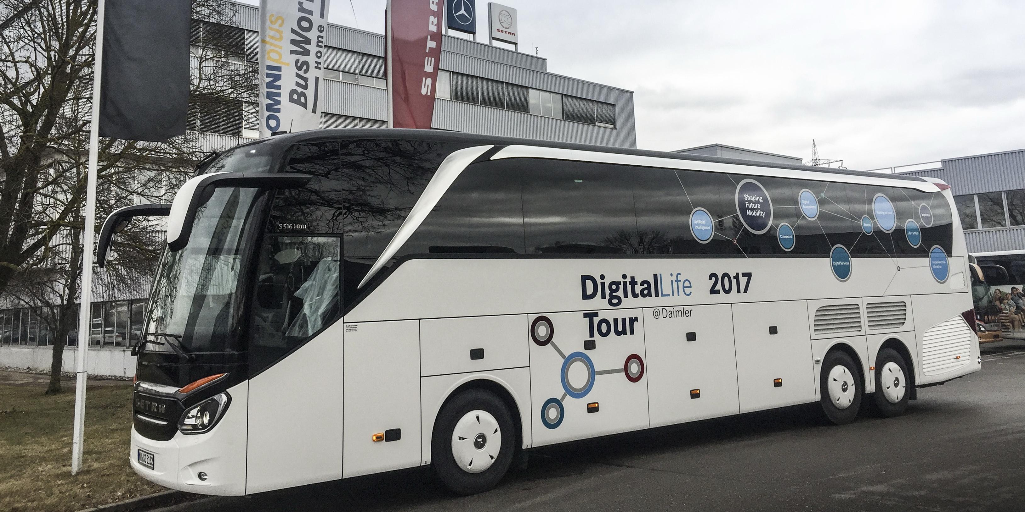 Mwc 2017 mercedes benz hack on bus tour 10 coder in der for Mercedes benz tour bus