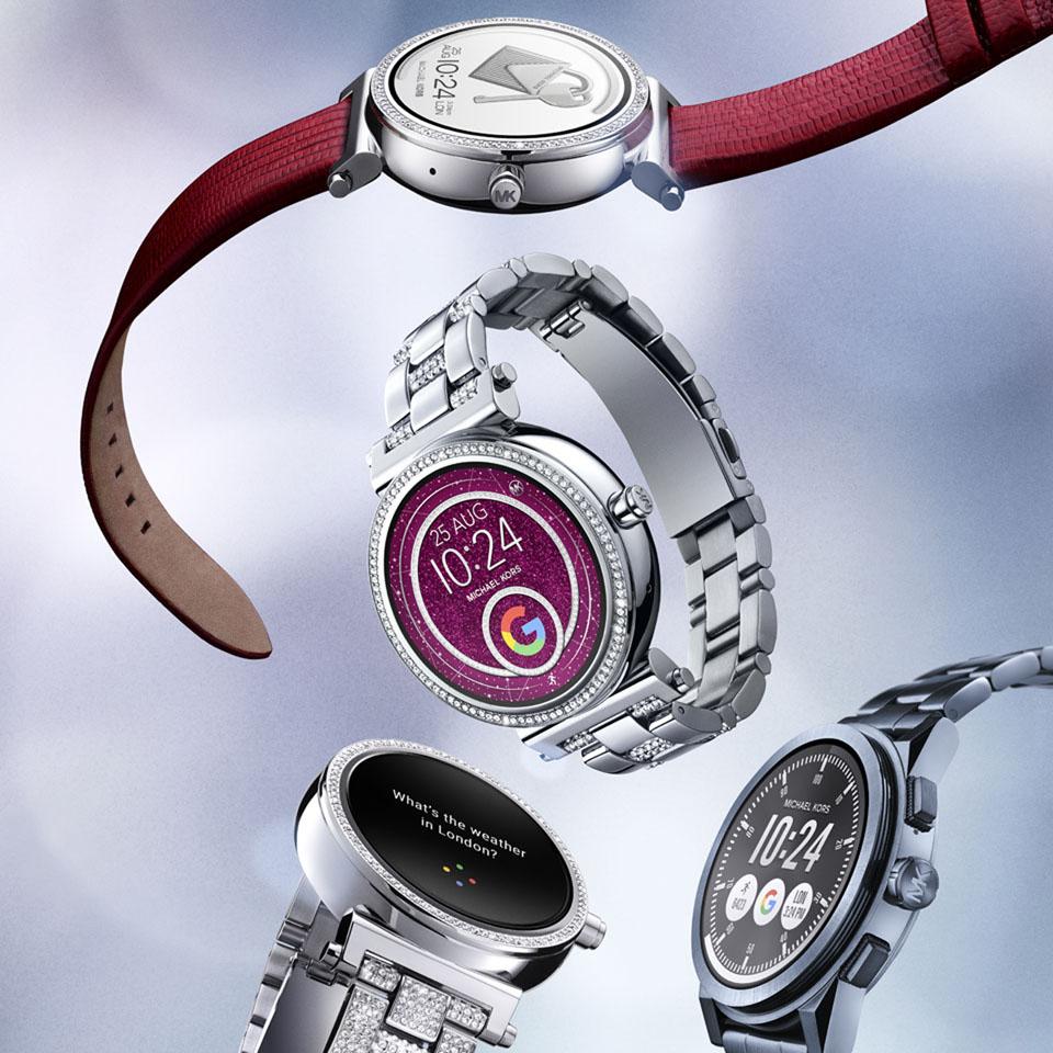 b22bf161810 Sofie Touchscreen Smartwatch: 369 bis 479 Euro; Grayson Touchscreen  Smartwatch: 369 Euro