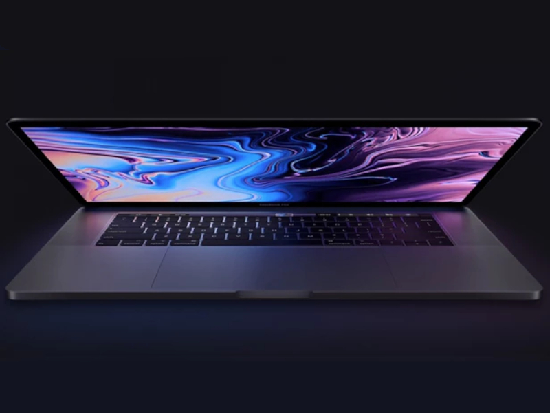Apple: MacBook Pro jet...