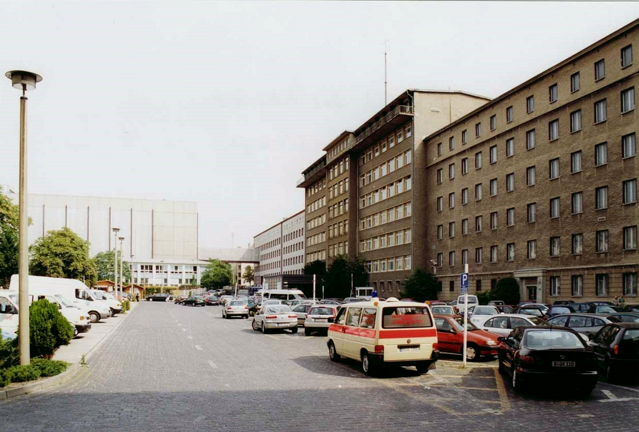 Deutschland Zieht Google In Die Ex Stasi Zentrale In Berlin Ein