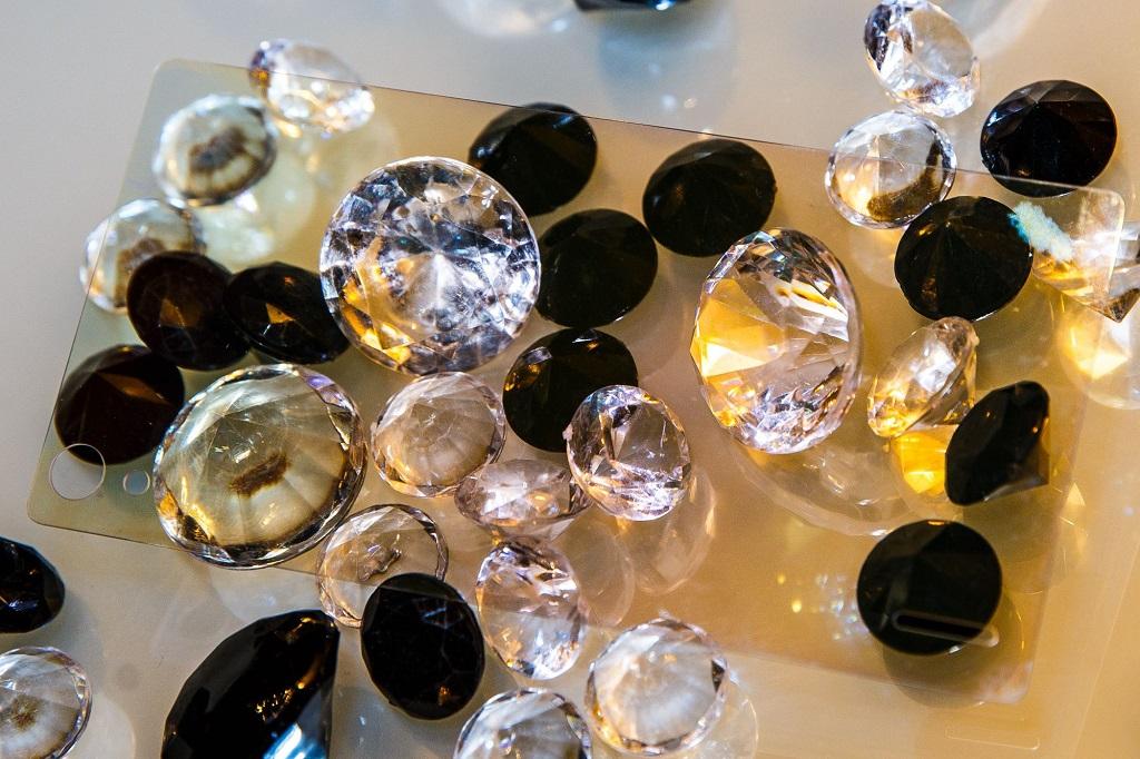 Vellidte Mirage-Diamant-Glas: Noch bruchsicherer als Gorilla-Glas oder QT-21
