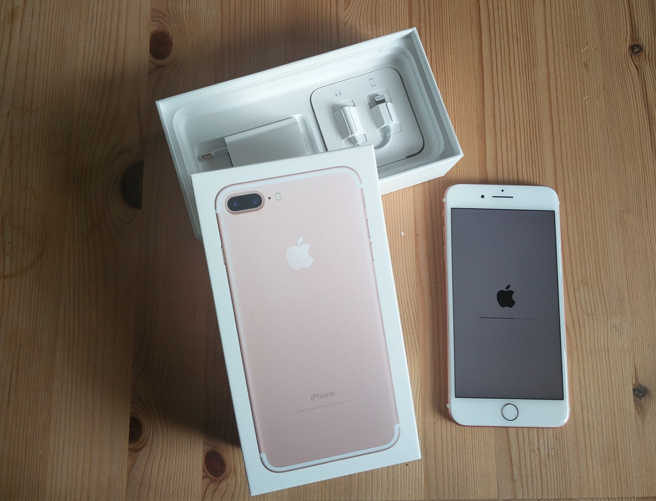 apple iphone 7 und 7 plus live test plus modell eingetroffen test kann beginnen. Black Bedroom Furniture Sets. Home Design Ideas