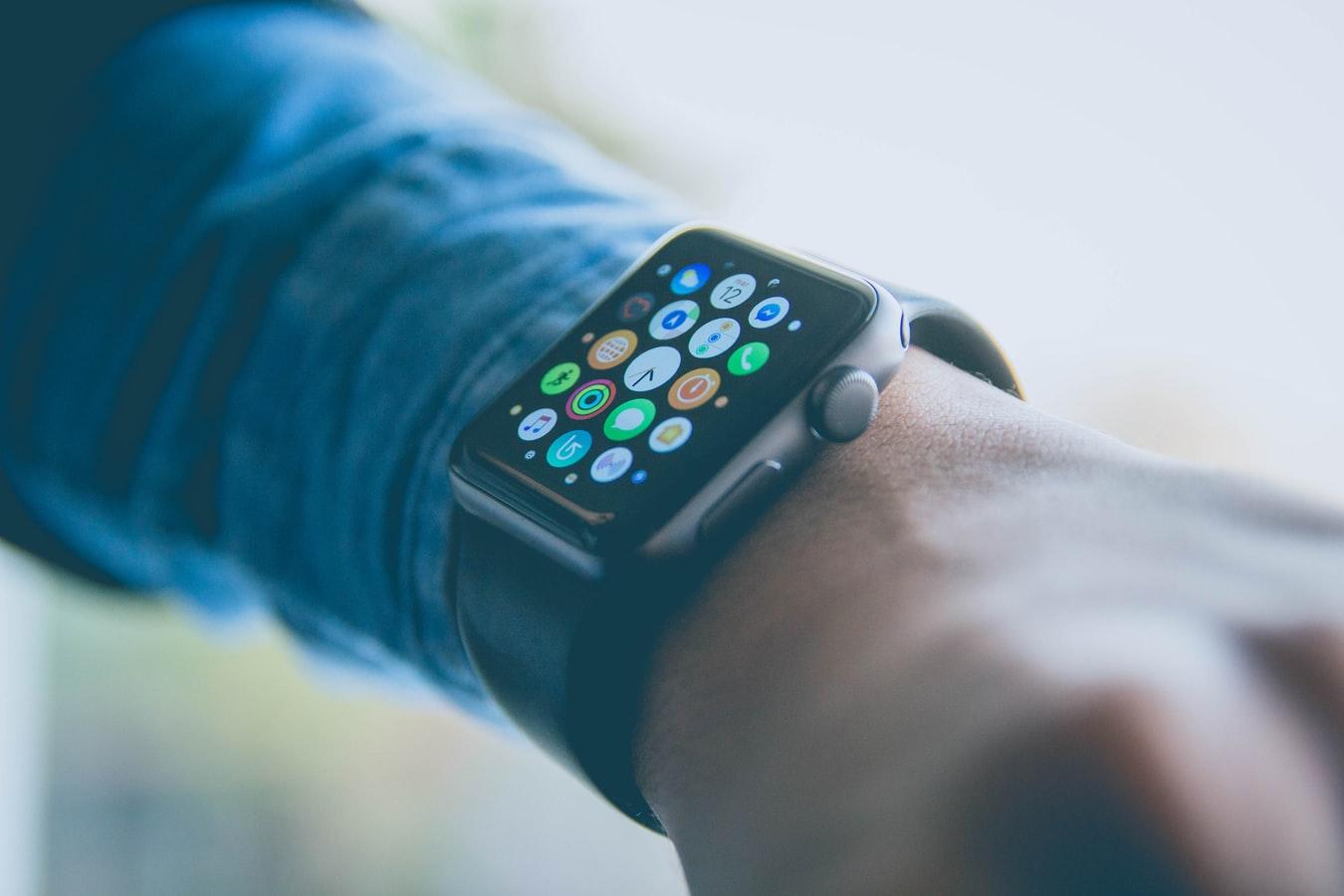 Bericht: Nächste Apple Watch könnte modular aufgebaut sein und neue Sensoren mitbringen