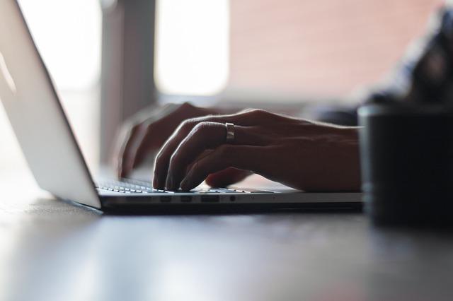 Patent Apple Tastatur soll Krümel wegblasen und Schmutz und Wasser abhalten