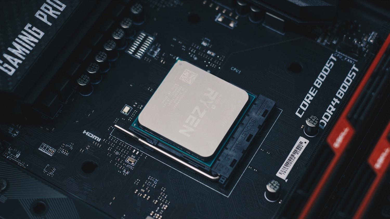 AMD Ryzen 9 3900X schlägt Core i9-9900K im ersten Benchmark