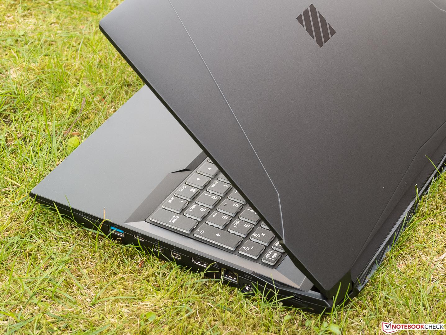 Test Schenker Xmg Apex 15 Clevo N950tp6 Laptop Notebookcheck Com Tests