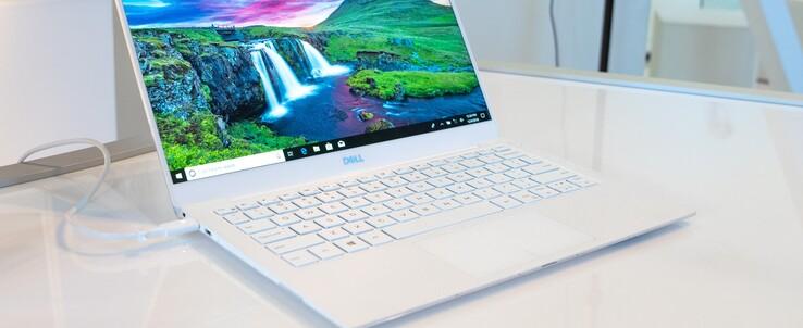 Test Dell Xps 13 9380 I7 8565u 4k Uhd Laptop Notebookcheck Com Tests
