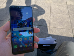 Honor 10 in der prallen Sonne (beschattet)