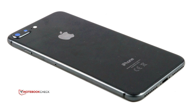 Dieses Jahr Waren Es Erstmals Drei Zwei Davon Sind Direkte Nachfolger Der 7er Generation Sie Tragen Die Bezeichnung IPhone 8 Und Plus