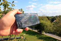 Samsung Galaxy Note 8 in der Sonne