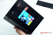 Acer Aspire Switch 12 Tablet, im Hochformat