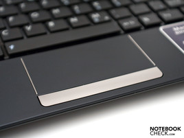 Sehr großes Touchpad (Multi-Touch).