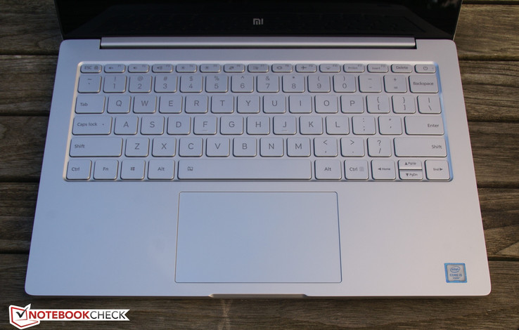 Mi Notebook Air: Tastatur und Touchpad