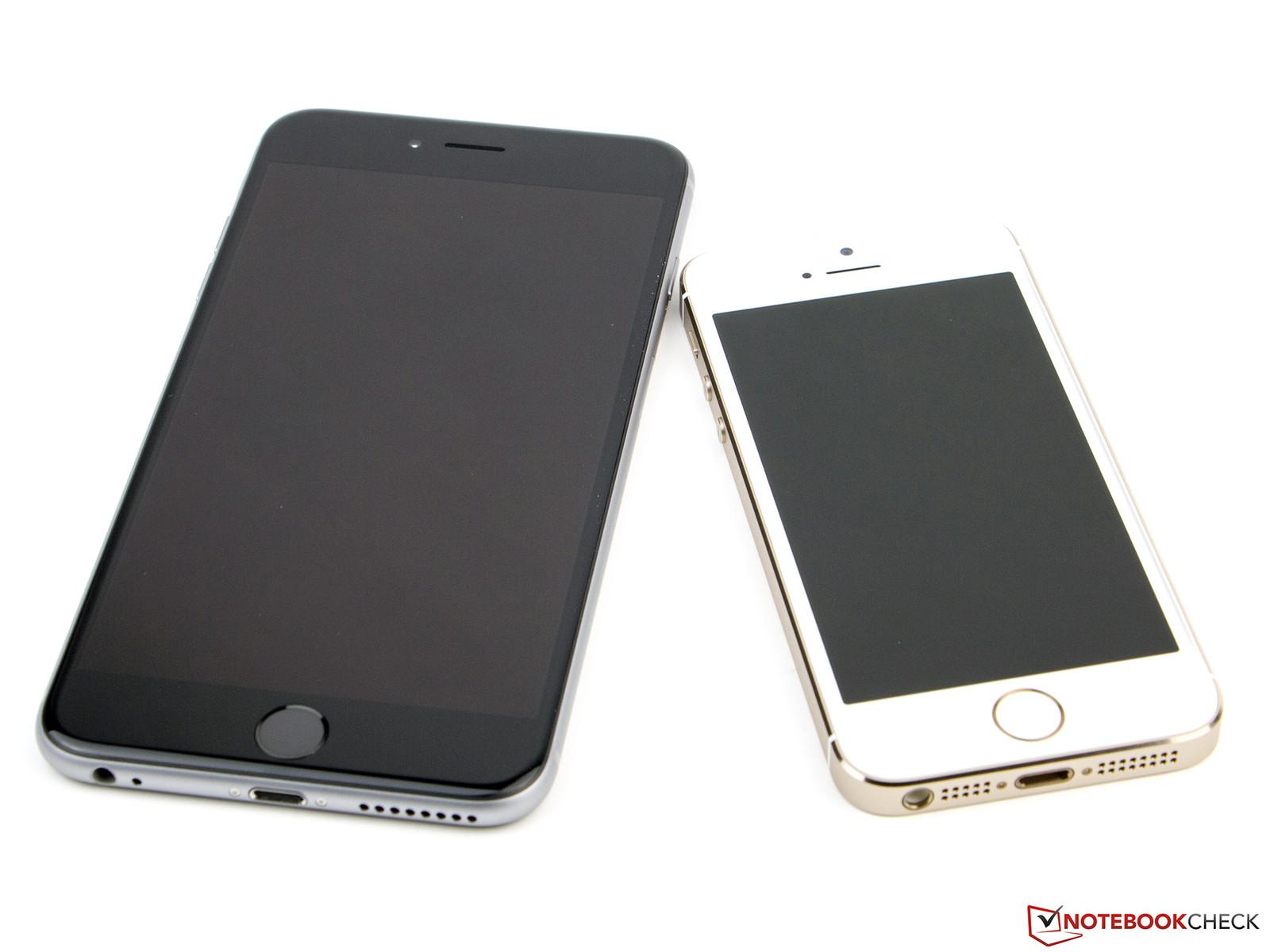 das iphone 6 plus ist ein riese im vergleich zum 5s rechts