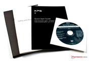 Garantieheft, Quick Start Guide und Windows-DVD.