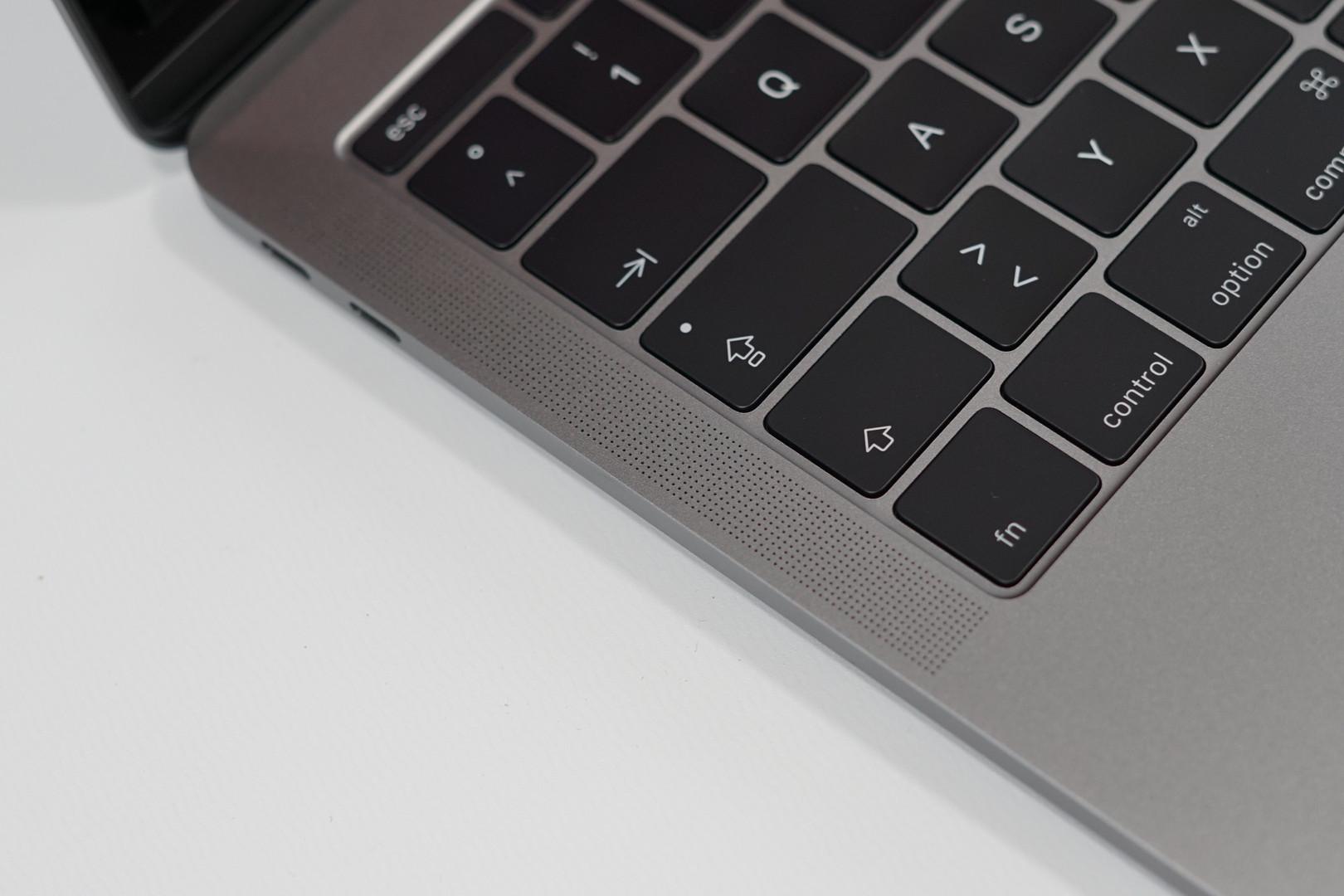 test apple macbook pro 13 mid 2017 i5 ohne touch bar. Black Bedroom Furniture Sets. Home Design Ideas