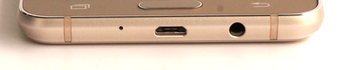 Unten: USB-Port, 3,5mm-Headsetport