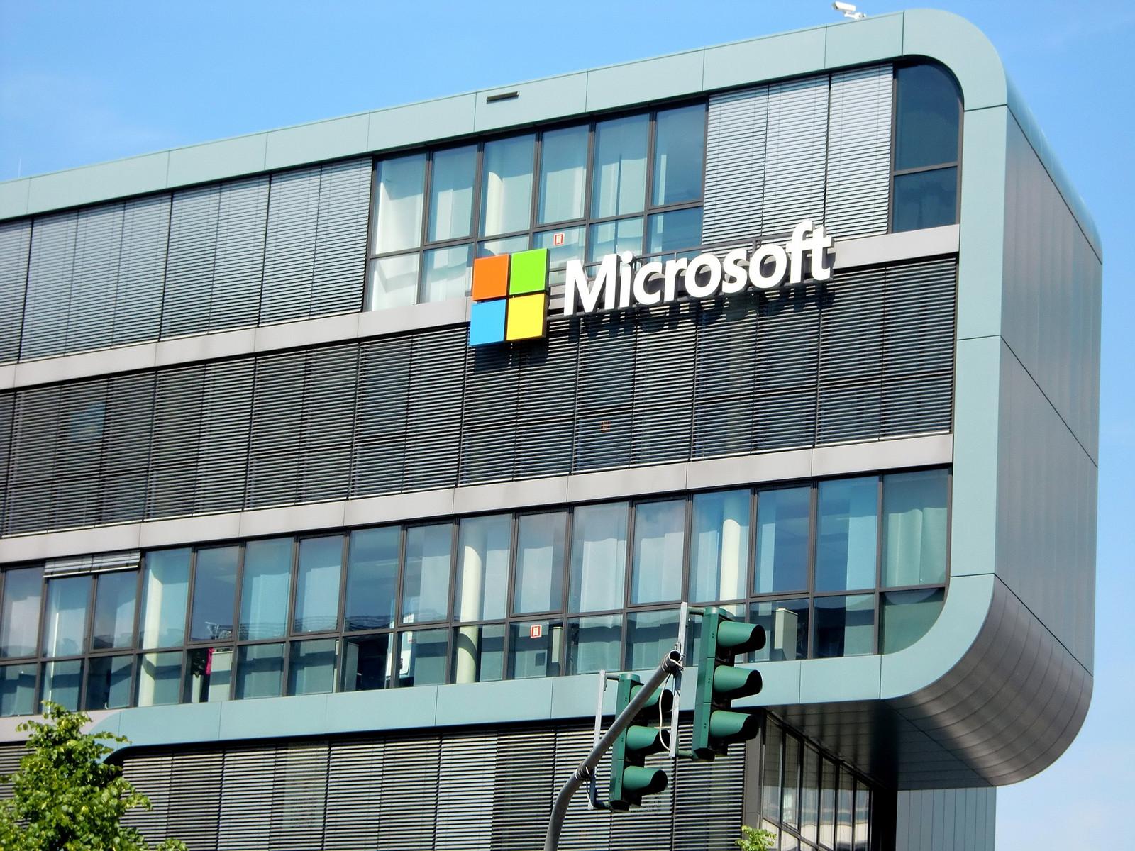 Neue Entlassungen drohen — Microsoft baut um