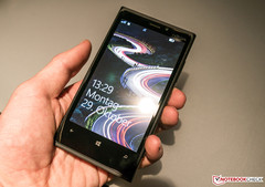 Windows Phone 8: HTC Windows Phone 8X, Nokia Lumia 920 & Samsung Ativ S im Hands-On