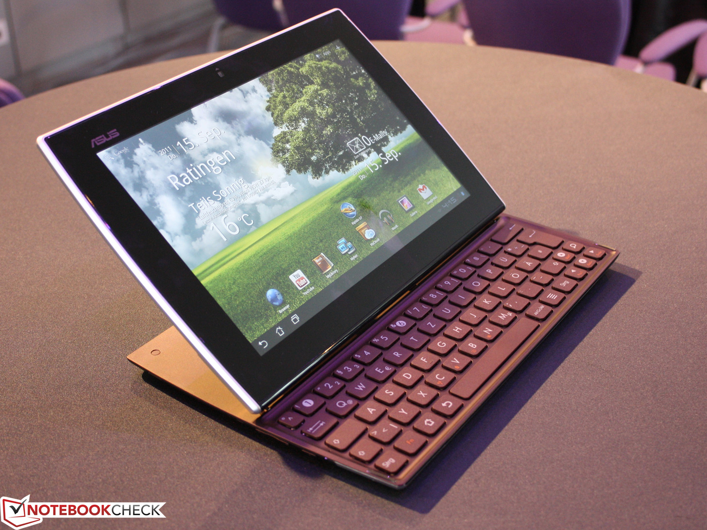 asus eee pad slider tastatur tablet in der fotostrecke. Black Bedroom Furniture Sets. Home Design Ideas