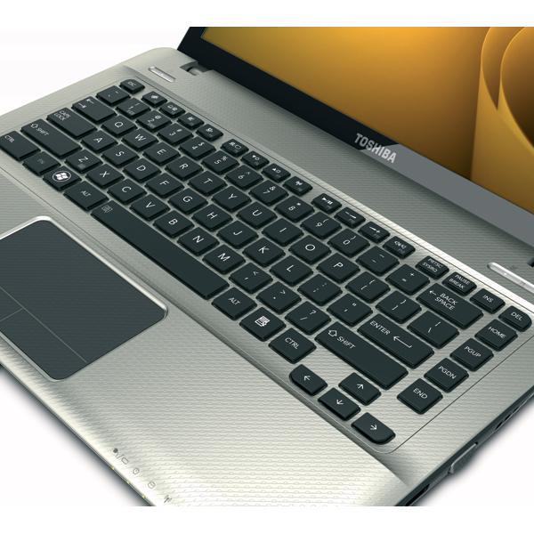 Toshiba Satellite E305 S1990